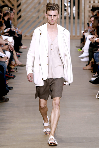 Presenting an expectedly dope menswear collection, the louis vuitton